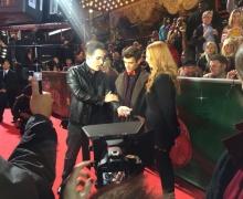 Michael Grandinetti Performs Close-Up Magic On The Hollywood Christmas Parade