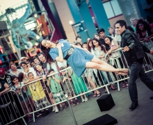 Michael Creates An Outdoor Levitation At Universal Studios Hollywood